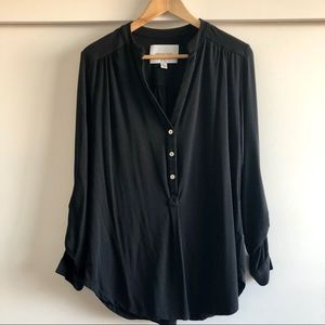 Amour Vert Elena Henley in black, size XS